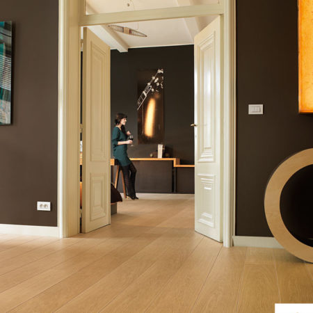 QUICK-STEP: LPU1284 - Natural Varnished Oak Planks-0