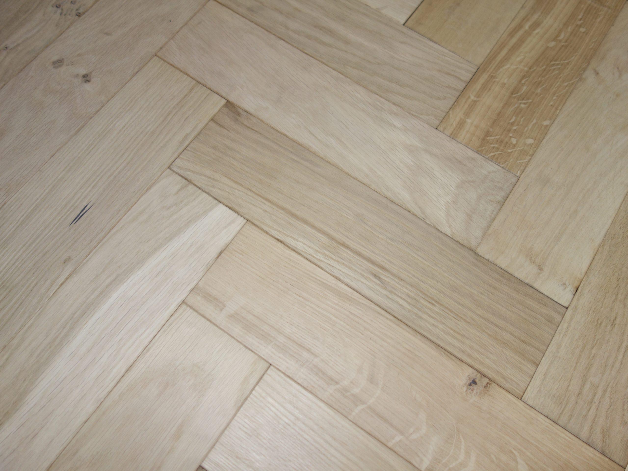 Secret: SP7 - Unfinished Oak - Oak Rustic Smooth Sanded Unfinished (15/4 x 90mm)-2968
