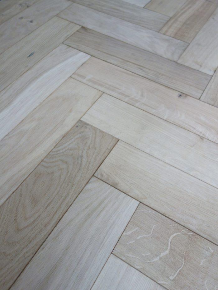 Secret: SP7 - Unfinished Oak - Oak Rustic Smooth Sanded Unfinished (15/4 x 90mm)-0
